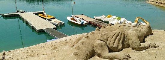 Cuevas del Campo, Spania: sand sculptures in negratin