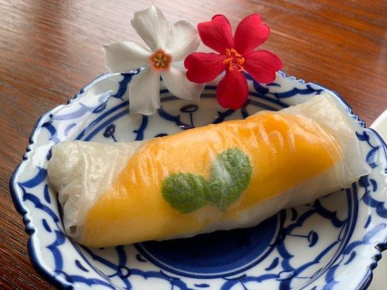mango sticky sushi