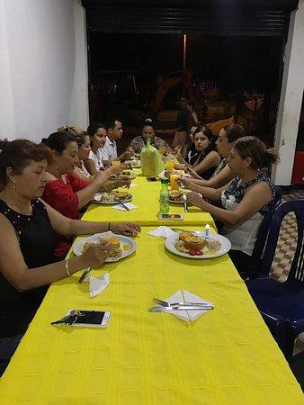 Muzo, Colombia: MAS QUE UN RESTAURANTE SOMOS UNA FAMILIA....