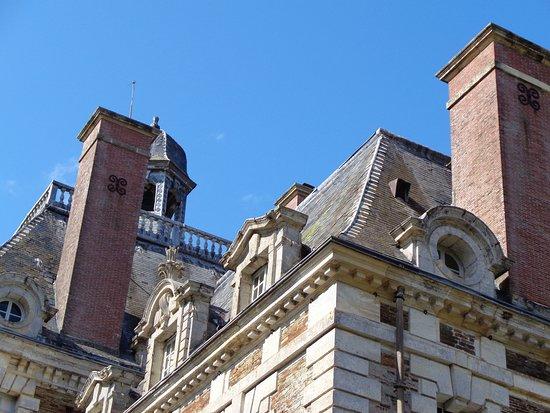 Balleroy, Prancis: un détail du toit qui aura bien besoin d'une restauration prochainement