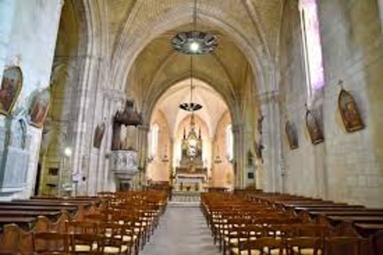Saint Savinien sur Charente, Francja: nef
