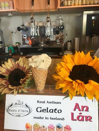Dunlavin, אירלנד: Organic Sunflower Gelato 🍦😋