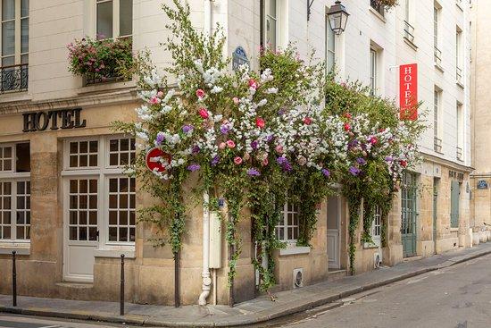 Property amenity - Picture of Hotel Jeanne D'Arc, Paris - Tripadvisor