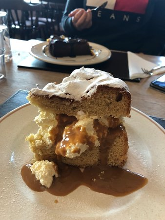 Kintyre Peninsula, UK: Butterscotch cream sponge