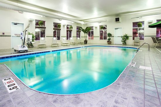 Holiday Inn Express Hotel & Suites Marion: Pool