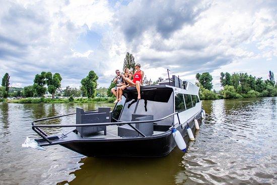 YachtBoat Prague