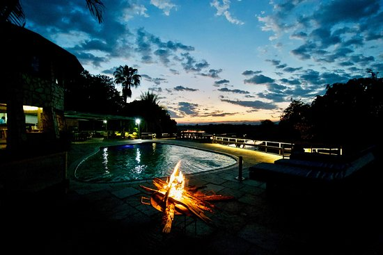 Chirundu, Zambia: A beautiful sunset viewed from ur pool and restaurant area