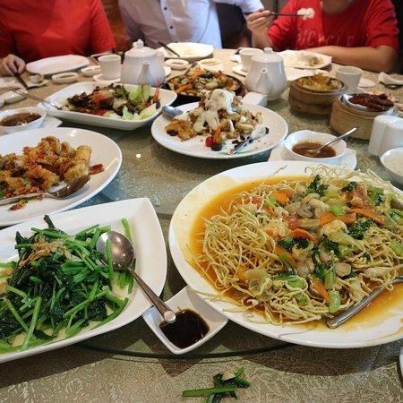 Ji Long Chinese Restaurant Medan Ulasan Restoran Tripadvisor