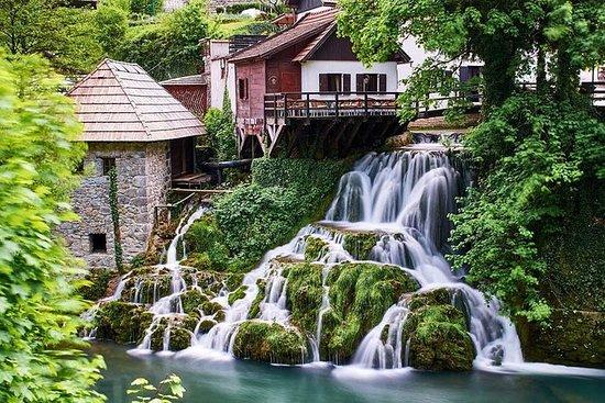 De små innsjøene i Plitvice og Tesla...