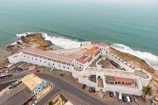 Cape-coast And Elmina的私人历史和自然一日游。