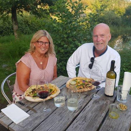 Costa occidentale, Svezia: FANTASTISKT GOD PIZZA med gott naturvin därtill! TACK - Vi ses igen!  Bör Verkligen upplevas om du/ni är på Sydkoster! Vh// Katja & Mårten