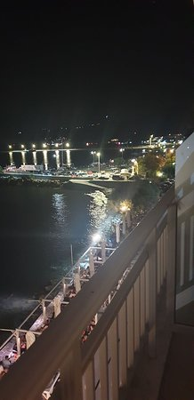Paralia Kimis, Grecja: Βραδυνή θέα από το μπαλκόνι του ξενοδοχείου μας