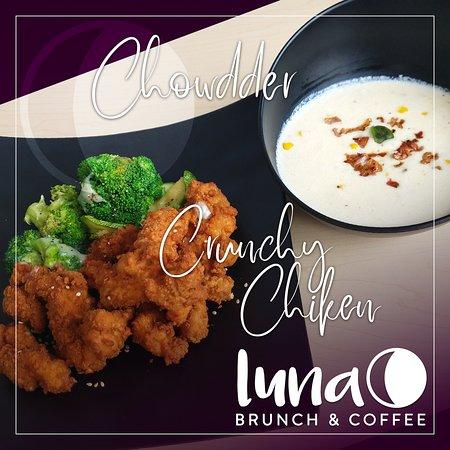 ¿Sabor inglés u Oriental? ¡Pruebalos juntos! Chowdder y CrunchyChiken, la mejor mezcla de sabores. #acambaro #lunabrunch #lunalab #brunch #restaurante #comida #cafeteria #guanajuato #coffeelovers #coffee