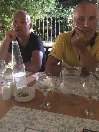 Cena tra amicidi vacanza