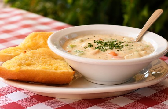 Enrico's Italian Dining: Homemade Clam Chowder with Garlic Bread.