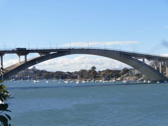 Gladesville, Australia: First Bridge built with aid of Computer!
