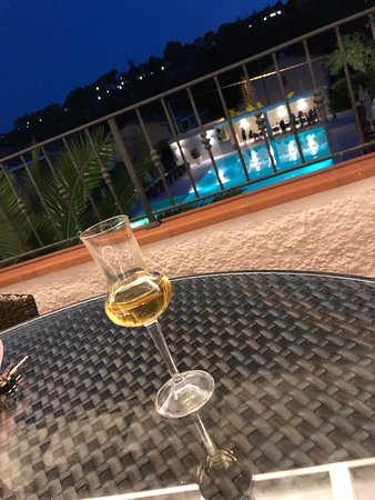 Hotel Giardino Suites&Spa: Terrace overlooking the pool