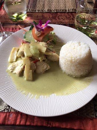 Jargeau, ฝรั่งเศส: porc au curry vert et riz