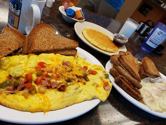 Mishicot, วิสคอนซิน: HUGE breakfast.