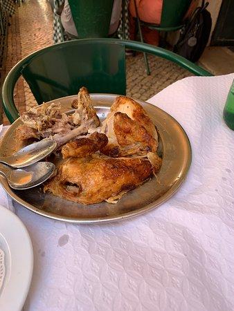 Wunderbares Hühnchen und sehr leckerer Salat