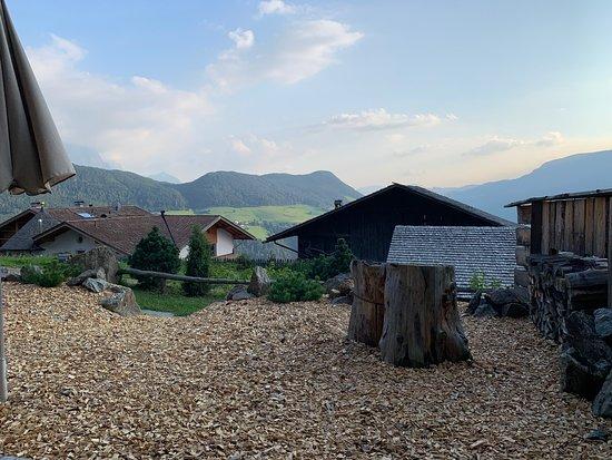 Lajen, Italija: Sicht ins Tal etwas eingeschränkt....