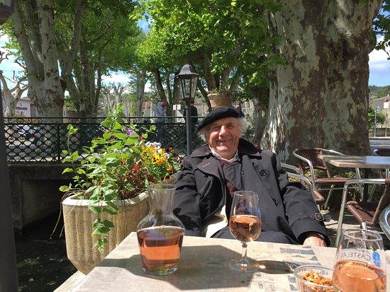 Saint-Andre-de-Roquepertuis, Γαλλία: Apéro à la Cèze