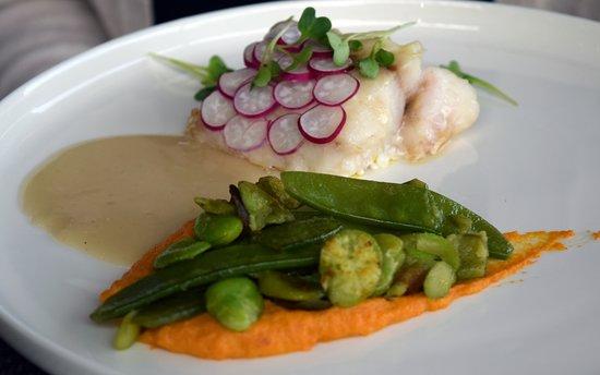 Saint-Hilaire-Saint-Florent, فرنسا: Good, tasty food without being precocious