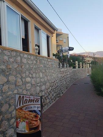 Barbat na Rabu, โครเอเชีย: Ristorante pizzeria Mama