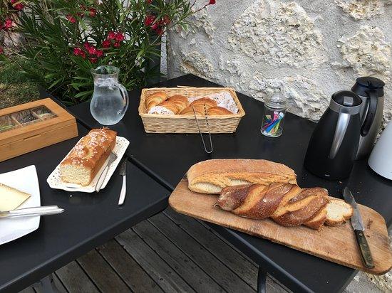 Cahuzac-sur-Vere, Francja: petit déjeuner gourmand