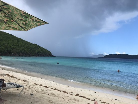 Beautiful beach with great views, food and snorkeling