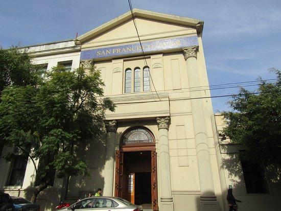 Parroquia San Francisco Javier: VISTA EXTERIOR