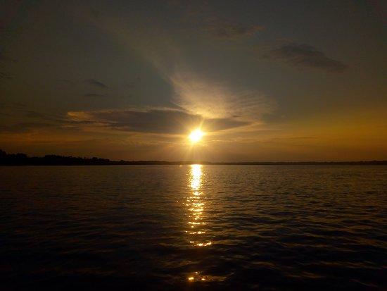 Регион Укаяли, Перу: It's really amazing the sunset on the Ucayali river, come to Perú and enjoy the magic peruvian Amazon.