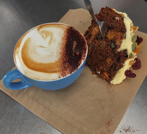 Cafe Blue Kerikeri: Cappuccino + Home-Baked Carrot Cake