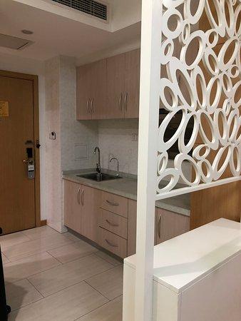 Dezhou, Китай: 房間內小廚房