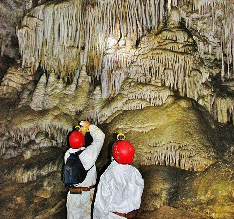 Celis, Tây Ban Nha: Coladas en la Cueva El Soplao en Cantabria. Info para tu visita  https://guias-viajar.com/espana/cantabria-cueva-el-soplao-turismo-aventura-ti/