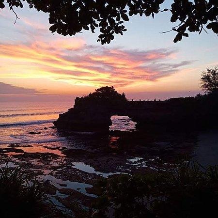 moment sunset at tanah lot temple, at tabanan bali.... www.uluwatutbalidriver.com