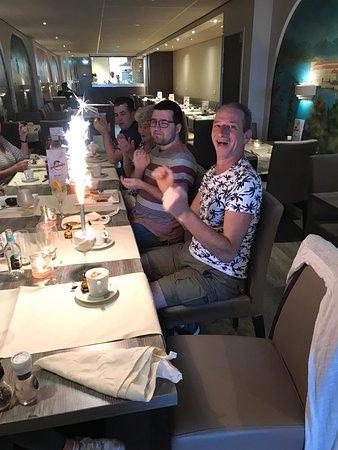 verjaardag gevierd met vrienden en familie