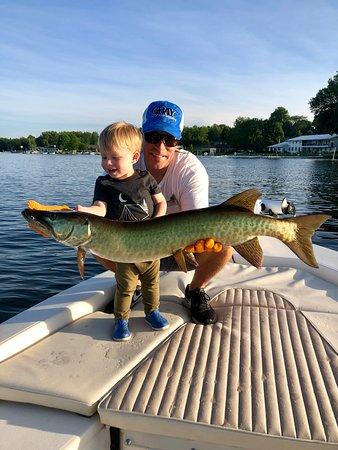 Chautauqua Fishing Charters: Muskie