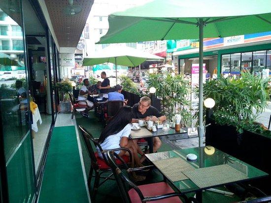 Dee-Lish 2 Restaurant