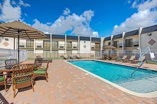 Days Inn & Suites by Wyndham Tampa Near Ybor City Hotel