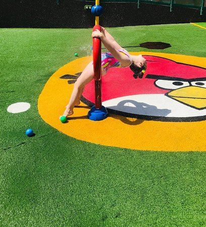 Angry Birds Activity Park Gran Canaria: Isla having fun in the Splash zone!!!