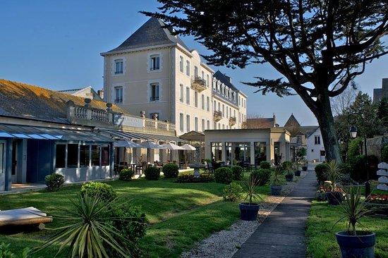 Hotel The Originals Grand Hotel de Courtoisville, hôtels à Saint-Malo