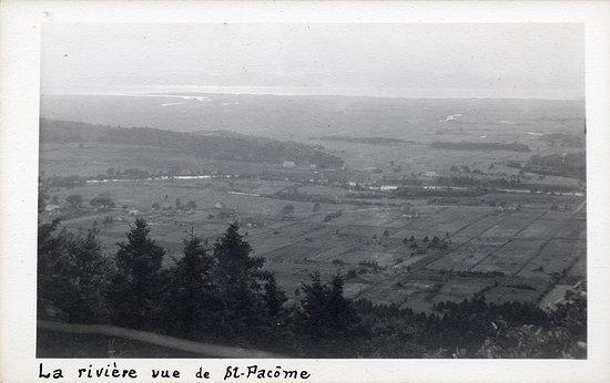 Vue d'autrefois à partir du Belvédère. Source image : Municipalité de Rivière-Ouelle