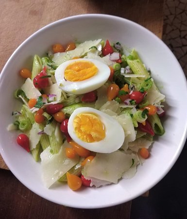 L'Inévitable: Salade fromagère