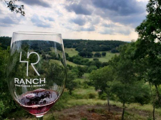 Saint Jo, TX: 4R Ranch and Vineyard