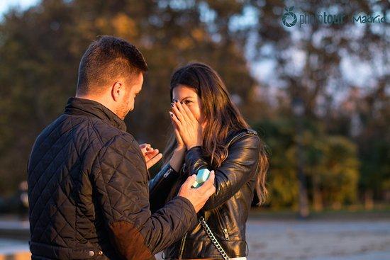 Online dating on turvallinen tai riskialtista esittely