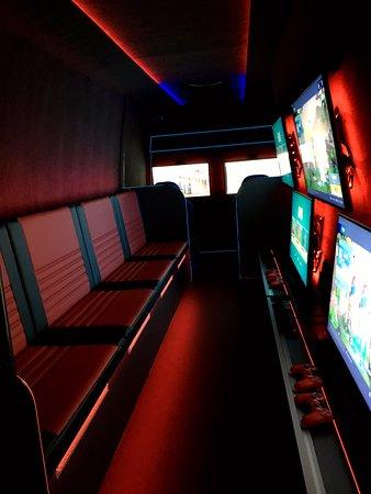 Berkshire, UK: Gaming Van