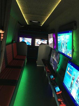 Berkshire, UK: Gaming Parties
