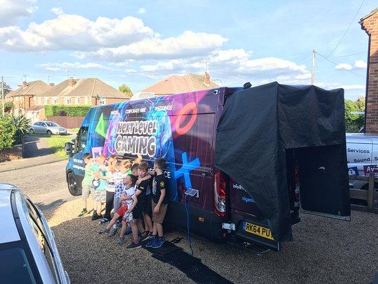 Surrey, UK: Gaming Party Bus