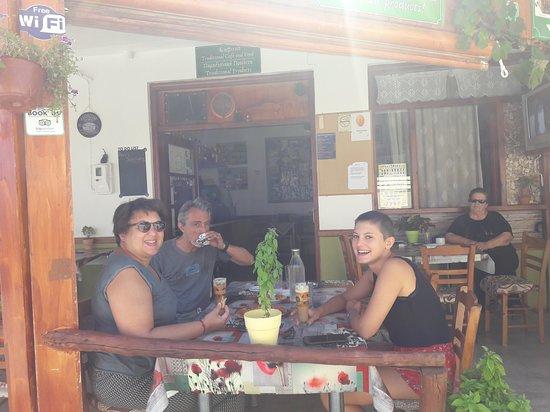 Amari, Grecja: friends ta Ximeromata
